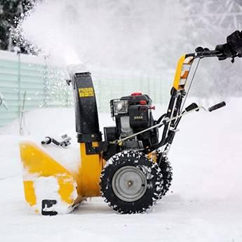 О видах снегоуборочной техники: снегоуборщик аккумуляторный, дизельный и другие