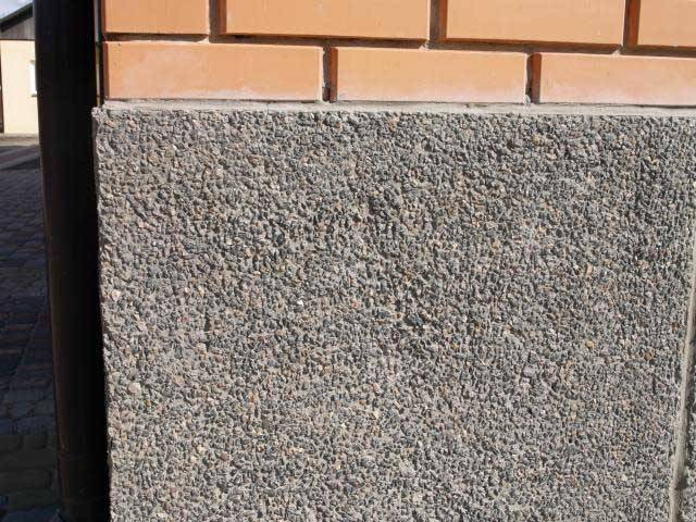 Облицовка цоколя дома: какой материал лучше для отделки фундамента снаружи, как обшить своими руками (фото, видео)