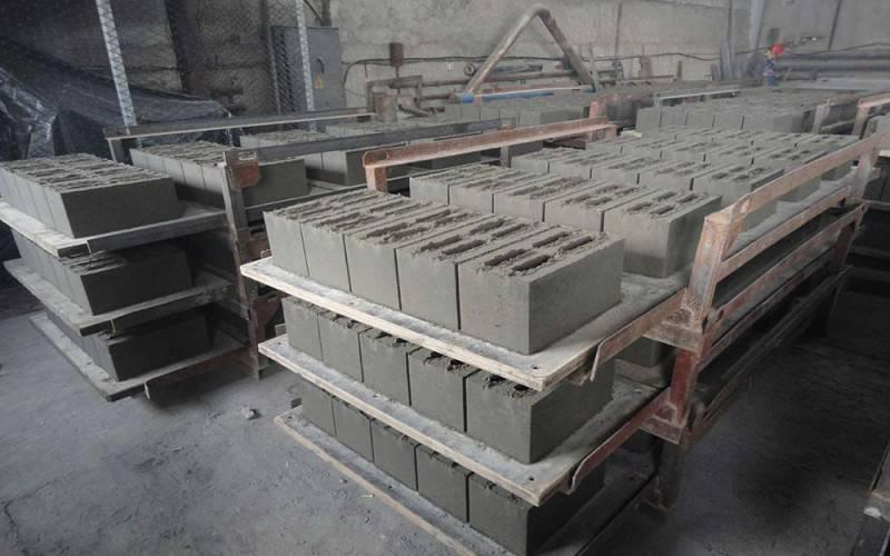 Станок для блоков своими руками – простое оборудование для изготовления керамоблоков, шлакоблоков, арболитовых, газосиликатных и других строительных блоков | папа мастер!