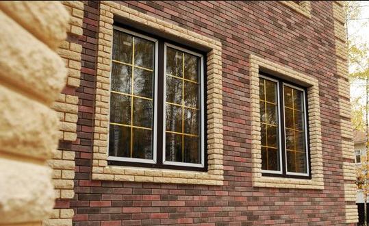 Какие встречаются виды окон на фасадах зданий