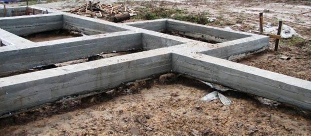 Фундамент на забивных сваях для частного дома