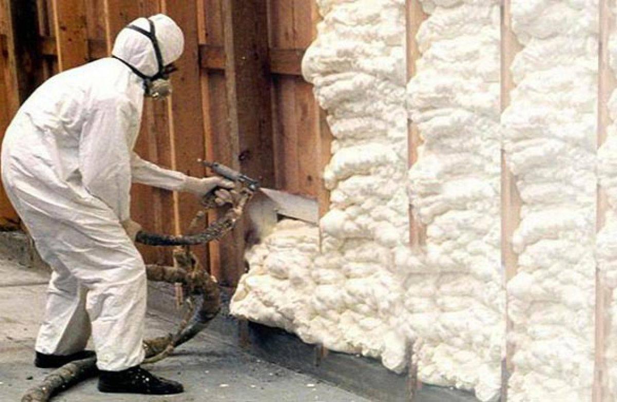 Напыляемая теплоизоляция: плюсы и минусы утепления ппу