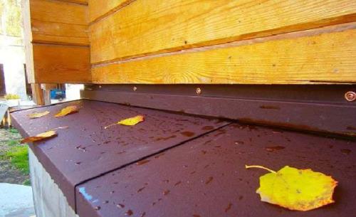 Водоотведение цоколя: как и когда делают отливы на фундамент