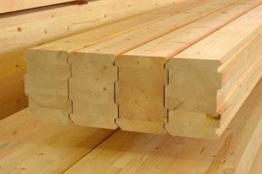 Плюсы и минусы, рекомендации по строительству дома из строганного бруса
