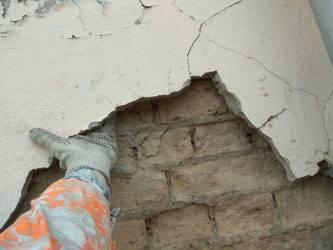 Что делать, если необходим ремонт кирпичной кладки стен, отдельными местами?