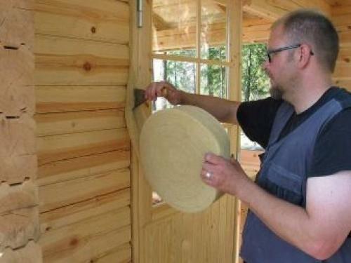 Утепление дома из бруса: снаружи или изнутри, обзор материалов и технологий