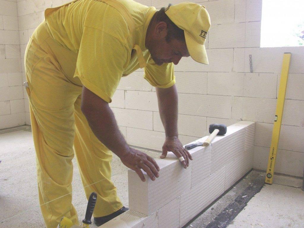 Перегородки из пеноблока — как построить правильно