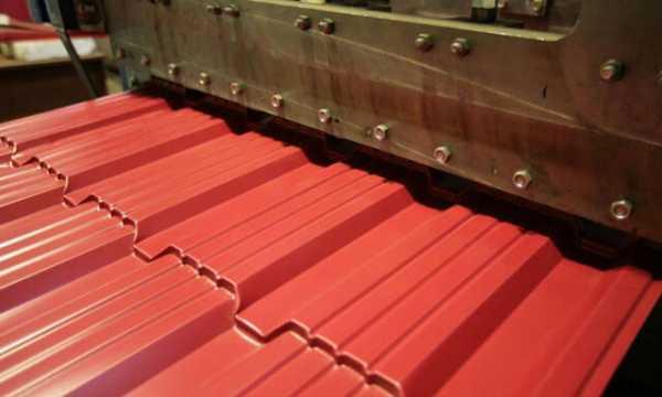 Размеры металлочерепицы: их влияние на качество монтажа кровли