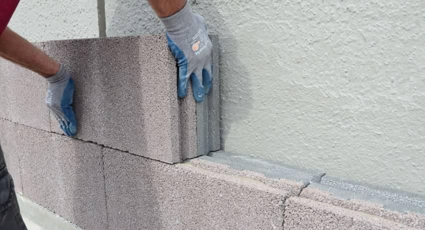 Что лучше: пазогребень или пеноблок – анализируем достоинства и недостатки двух популярных строительных материалов