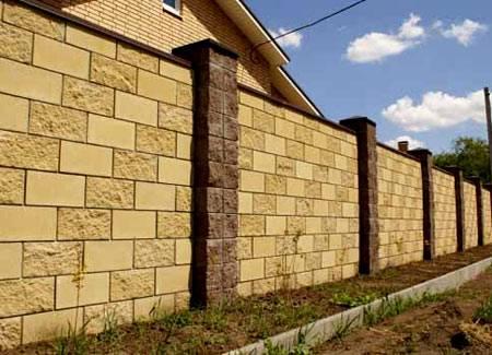 Перегородки из газобетонных блоков: кладка межкомнатных стен толщиной 100 мм и других, технология монтажа, в том числе в деревянном доме, ошибки при возведении