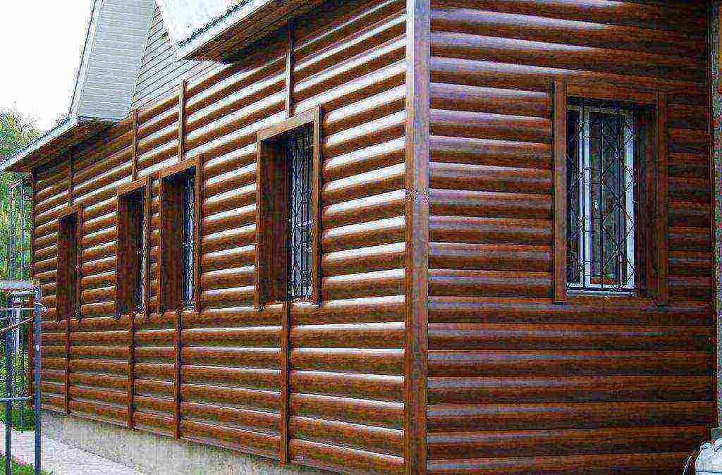 Чем обшить брусовой дом снаружи: материалы и их свойства
