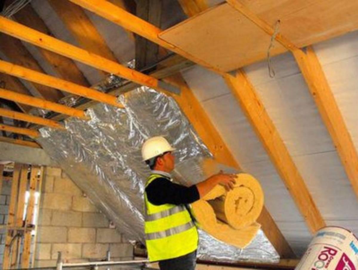 Быстрый способ утепления мансардной крыши частного дома изнутри без лишних затрат — схема и технология теплоизоляции внутри!