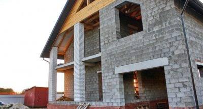 Как правильно построить дом из керамзитобетонных блоков?