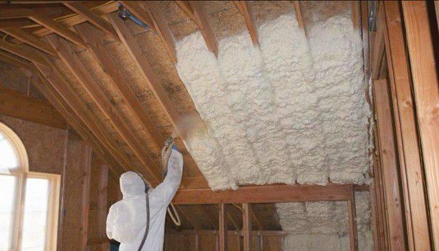 Как произвести утепление стен пеноизолом своими руками и технические характеристики утеплителя