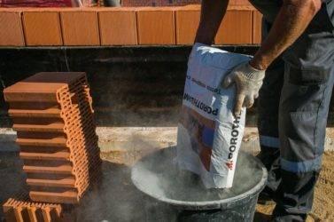 Кладка керамических блоков: технология и монтаж на теплую кладочную смесь, клей или раствор, стоимость стен и армирование сеткой своими руками
