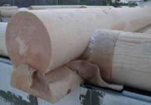 Гидроизоляция между фундаментом и брусом для защиты от гниения