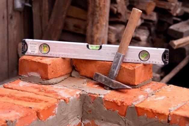 Плюсы и минусы строительства из керамического кирпича
