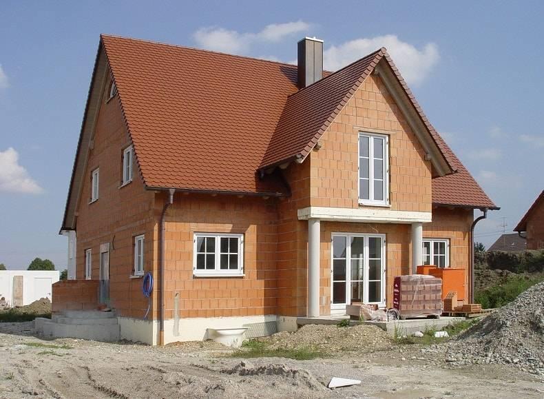 Основные нюансы возведения дома из керамических блоков своими силами