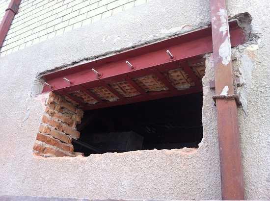 Особенности усиления проема в бетонной стене