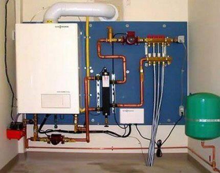 Монтаж настенных газовых котлов отопления: схема подключения, правила установки по высоте, как подключить котел, фото и видео примеры