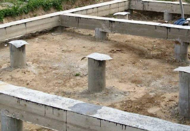 Как сделать свайный фундамент под дом своими руками. пошаговая инструкция по монтажу