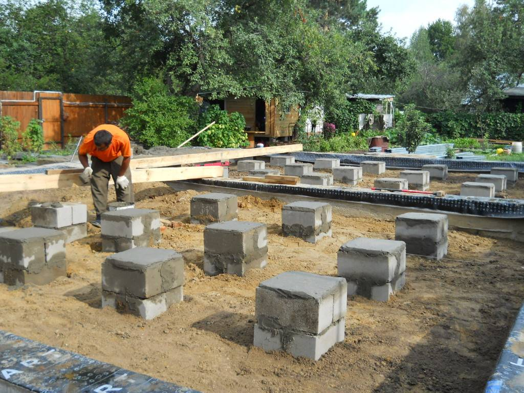 Как укрепить фундамент старого дома - 6 проверенных способов