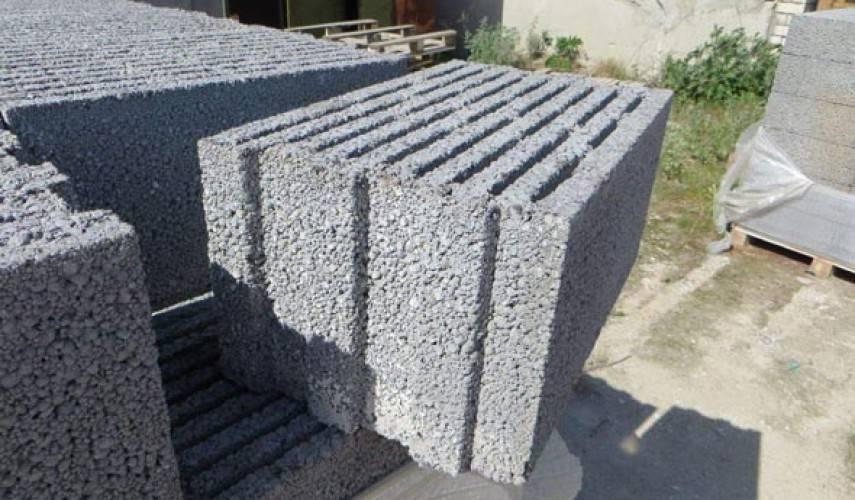 Плюсы и минусы применения керамзитных блоков в строительстве