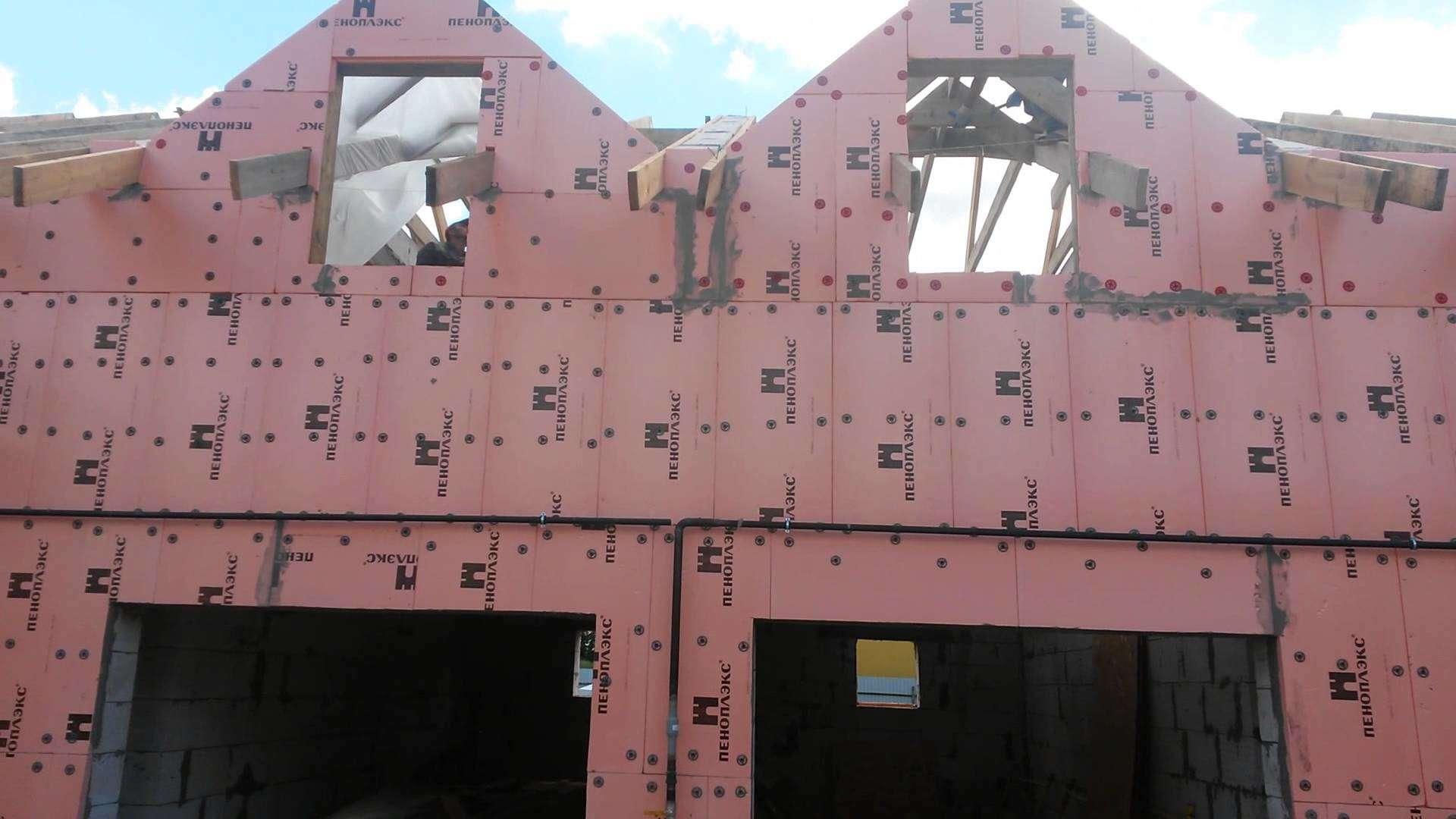Как правильно произвести отделку фасада по пенопласту при помощи фасадной штукатурки