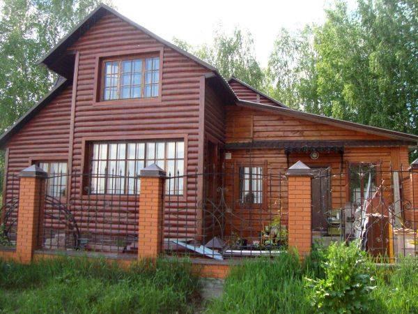 Металлический сайдинг под бревно (39 фото): блок-хаус для частных домов, размеры сайдинга, отзывы о качестве