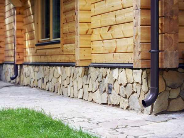 Цокольный сайдинг: виды для наружной облицовки цоколя частного дома с фото, цена, пошаговая инструкция, как обшить фундамент вокруг своими руками, ошибки при монтаже