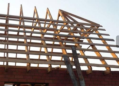 Как сделать стропильную систему полувальмовой крыши: разновидности, как выполнить строительные работы