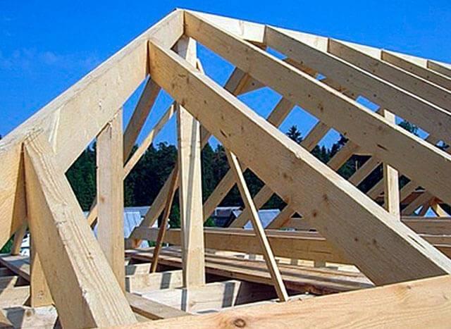 Устройство четырехскатной крыши своими руками