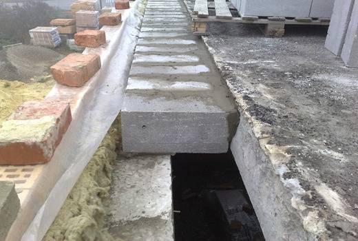 Установка фундаментных плит: как правильно укладывать