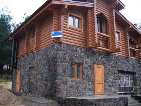 Фасадная плитка под камень: гибкая цокольная и облицовочная для фасада дома, модель под «рваный» камень