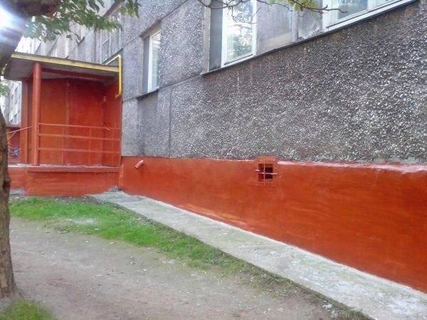 Отмостка тротуарной плиткой вокруг дома