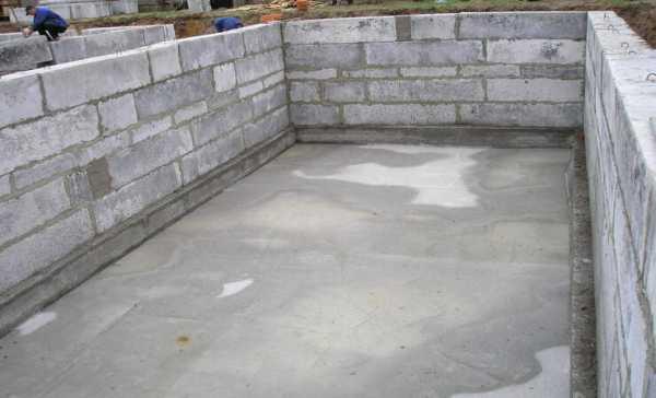 Как построить подвал из бетонных блоков: подойдет ли для возведения погреба размер 20x20x40, какие проблемы могут возникнуть