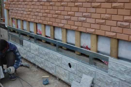 Клей для фасадной плитки и утеплителя: советы по выбору, лучшие варианты