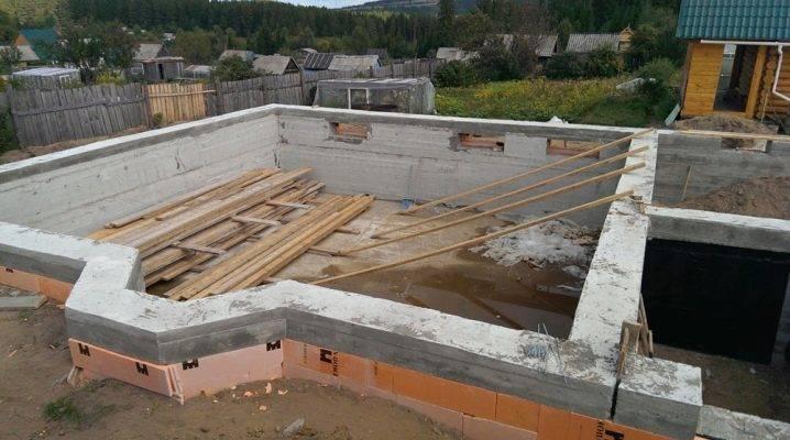 Как построить фундамент с подвалом?