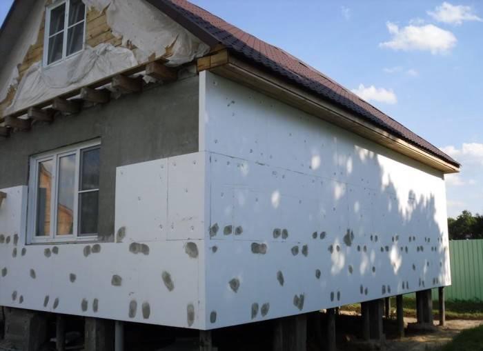 Нужно ли утеплять дом из пеноблоков: ответ на вопрос