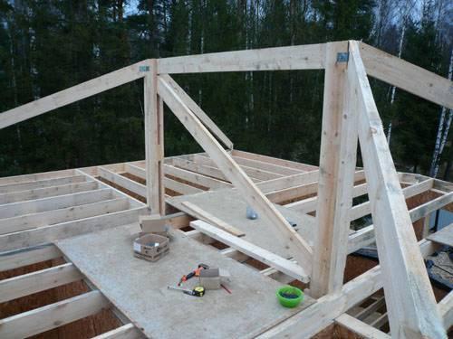 Стропильная система вальмовой крыши: характеристики, расчет и монтаж