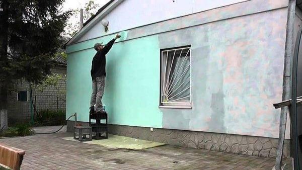 Окраска бетона: как ее лучше выполнить при изготовлении изделий для сада