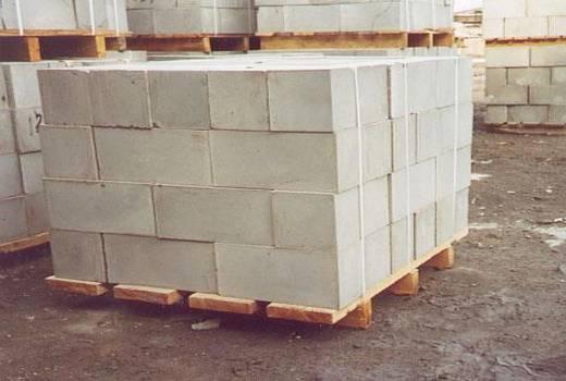 Сколько стоит силикатный блок, цена работ по кладке и расчет количества камней