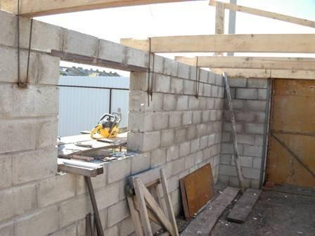Как построить гараж из шлакоблоков своими руками