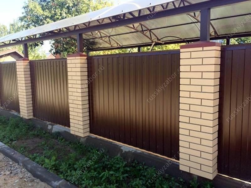 Забор на ленточном фундаменте с кирпичными столбами: цена под ключ, инструменты, материалы, возведение своими руками