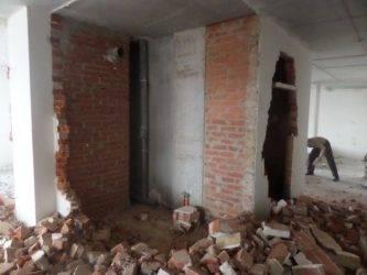 Демонтаж перегородок, что это такое и как выполнять демонтаж стен