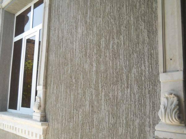 Фасадная декоративная штукатурка: виды фактур для наружных работ и технология отделки фасада двухэтажных домов своими руками + фото