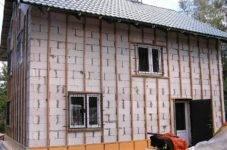 Утепление дома под сайдинг: процесс монтажа и способы установки утеплителя