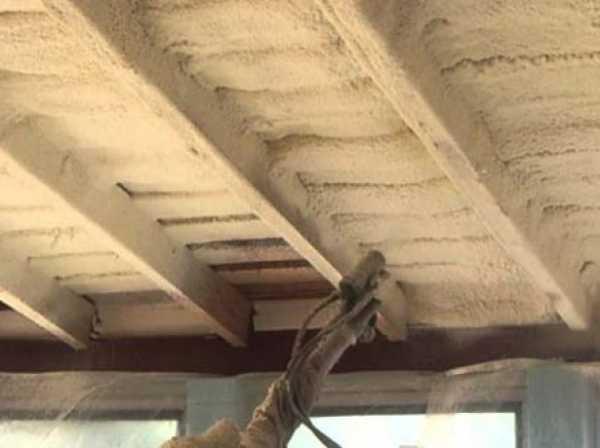 Какой пеной утепляют крышу?