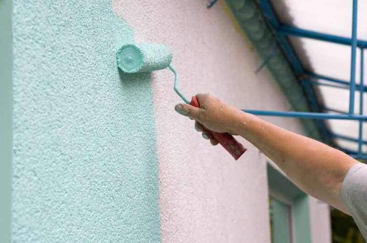 Особенности фасадных красок для наружных работ