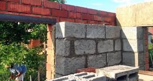 Кладка керамзитоблока: технология по возведению стен